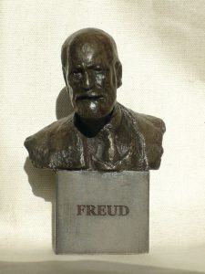 ONF922 - Dark Resin Freud Bust