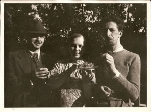Nemon with Deze and Eugenie in 1937